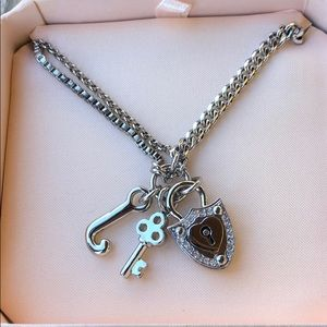 Juicy Couture Vintage BNIB Crest & Key Necklace!